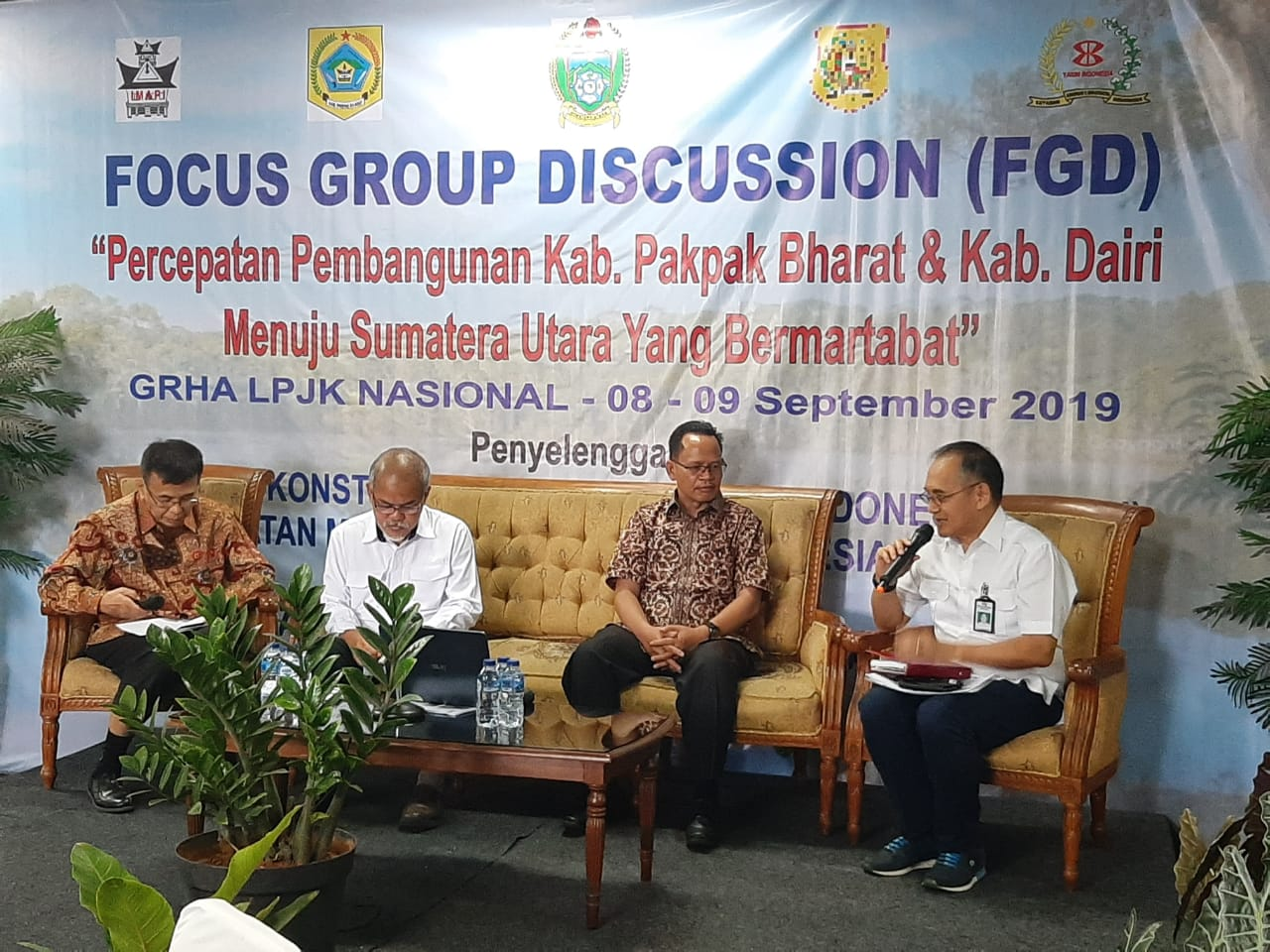 "Tujuh Dirjen Dari Lima Kementerian Jadi Nara Sumber Dalam FGD Yang Digelar "" YAKIN INDONESIA"""
