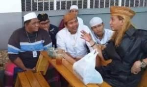 Habib Bahar Ubah Suasana Lapas Cibinong Seperti Pesantren