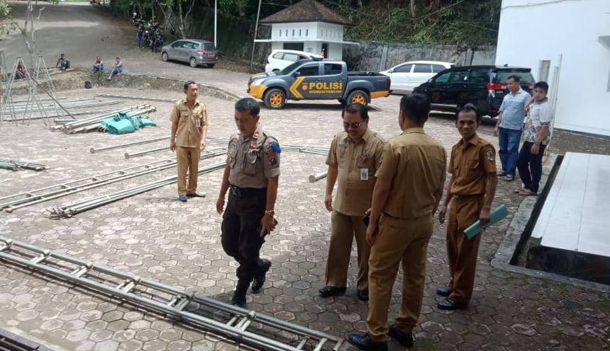 Sekwan Kabupaten Nias Pantau Kesiapan Pengambilan Sumpah DPRD Kabupaten Nias