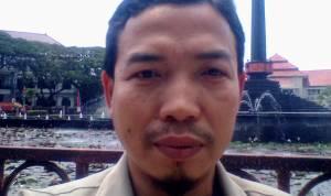 Ainul Mizan, S.Pd: Merangkul Bayang-Bayang (Sebuah Cerpen)