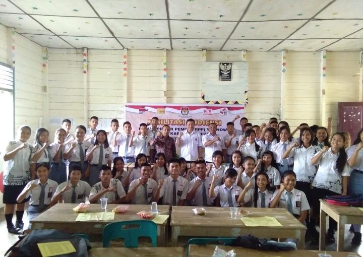 KPU Kabupaten Nias Sosialisasi Rumah Pintar Pemilu Kepada Kalangan Pelajar