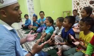 Kiat dan Upaya Mendidik Anak Tertib Shalat Berjamaah di Masjid Darul Ittihad