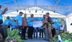 Bupati Abdul Faris Umlati Buka Festival Gemari Makan Ikan Di Raja Ampat